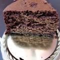 シュワッと溶けて舌に絡みつく濃厚チョコ!
