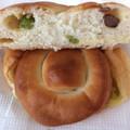 2色のお豆パン