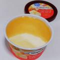 さっぱりした甘酸っぱさのゴールデンベリーソースと、ほんのりチーズアイス