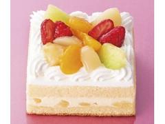 不二家 たっぷりフルーツのスクエアショートケーキ