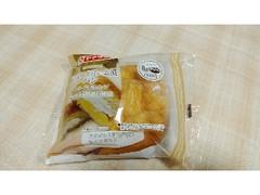 ヤマザキ シュークリーム風パン クリーム&ホイップ 袋1個