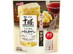 明治 北海道十勝 かおり濃香パルメザンチーズ 粗砕き 袋40g