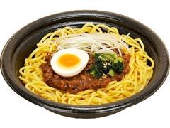 ファミリーマート まぜて食べるジャージャー麺