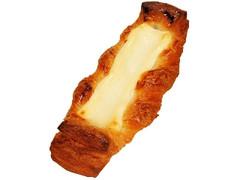 ファミリーマート ファミマ・ベーカリー コク豊かな北海道クリームチーズのデニッシュ