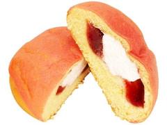 ファミリーマート ファミマ・ベーカリー シュークリームみたいなパン いちご&ホイップ