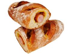 ファミリーマート ファミマ・ベーカリー 冷蔵熟成生地使用 粗挽きポークのソーセージフランス