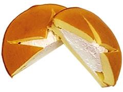 ファミリーマート ダブルクリームサンド いちご&練乳ミルク