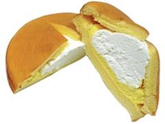 ファミリーマート ダブルクリームサンド ホイップ&カスタード