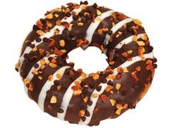 ファミリーマート チョコ&ナッツドーナツ ヘーゼルナッツ入りチョコクリーム
