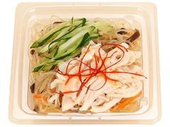 ファミリーマート 増量蒸し鶏の中華風春雨サラダ