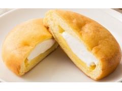 ファミリーマート ファミマ・ベーカリー シュークリームみたいなパン カスタード&ホイップ