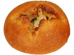 ファミリーマート ファミマ・ベーカリー ごろっとしたじゃがいもフランスパン 北海道産じゃがいも