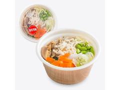 ファミリーマート 6種野菜と蒸し鶏の生姜スープ