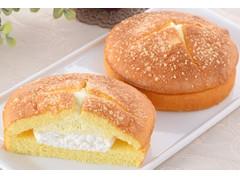 ファミリーマート Wクリームサンド チーズクリーム&ホイップ