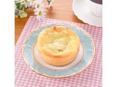 ファミリーマート ファミマ・ベーカリー アップルとレーズンのチーズケーキ風
