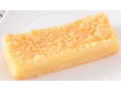 ファミリーマート FAMIMA CAFE&SWEETS 3種チーズのチーズケーキ