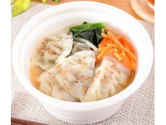 ファミリーマート 餃子1個増量! 餃子と野菜の春雨スープ