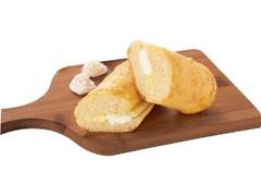 ファミリーマート 2種のチーズクリームinメロンパン風ロール