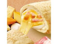ファミリーマート ピザサンド 濃厚!4種のチーズ&ベーコン