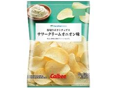 ファミリーマート FamilyMart collection 厚切りポテトチップスサワークリームオニオン味