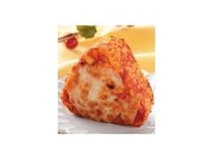ローソン おにぎり屋 チーズとトマトのパエリア風おにぎり