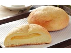 ローソン チーズメロンパン 4種のチーズ入りクリーム