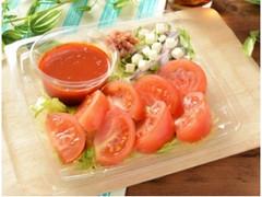 ローソン 1/2日分の野菜が摂れるまるごとトマトの冷製パスタ
