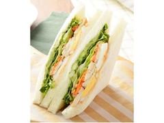 ローソン ペッパーチキン&5種野菜サンド