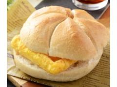 ローソン カイザーサンド オムレツ&チーズ