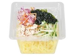 ローソン NL 海藻と蒸し鶏のこんにゃく麺サラダ ピリ辛ドレッシング