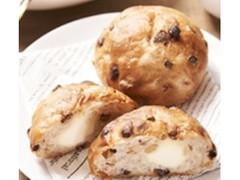 ローソン マチノパン もち麦とくるみとレーズンのクリームチーズパン 2個入