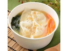 ローソン もちもち水餃子と野菜の中華スープ