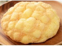 ローソン 発酵バターが決め手 ふんわりメロンパン