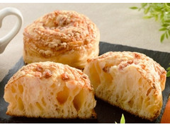 ローソン もっちり食感ベーコンチーズパン
