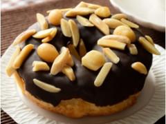 ローソン マチノパン チョコとナッツのドーナツ