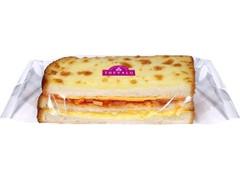 トップバリュ トマトソースのチーズサンド