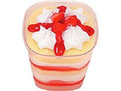 ファミリーマート Sweets+ いちごのケーキアイス カップ150ml
