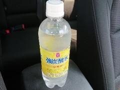 Vセレクト 強炭酸水 レモン ペット500ml