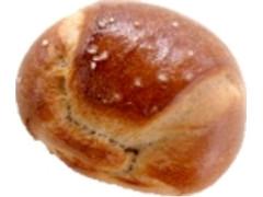 デイリーヤマザキ デイリーホット 塩バターパン 黒トリュフ塩風味