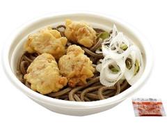 セブン-イレブン 鶏天そば 田舎風太切り麺使用