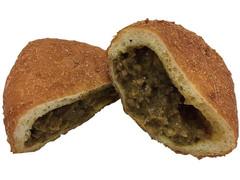 セブン-イレブン 牛肉たっぷり特製カレーパン
