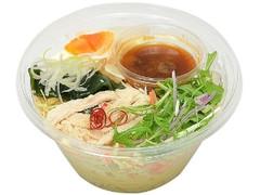 セブン-イレブン 野菜と食べる ピリ辛ラーメンサラダ