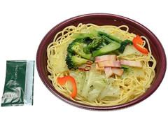 セブン-イレブン 6種野菜とベーコンのペペロンチーノ