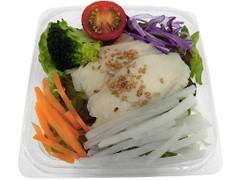 セブン-イレブン サラダチキンと8種野菜のサラダ