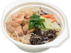 セブン-イレブン たんぱく質が摂れる鶏鍋 豚骨醤油味
