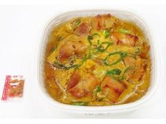 セブン-イレブン 炙り鶏の親子丼