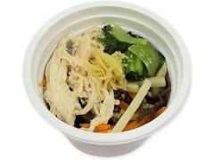 セブン-イレブン 86kcal蒸し鶏と生姜の平春雨スープ