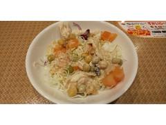ガスト サラダチキンと3種豆のサラダ 胡麻ドレッシング