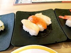 かっぱ寿司 サーモン三貫盛り とろサーモン・サーモン・炙りサーモン