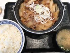 吉野家 牛の鍋焼き定食